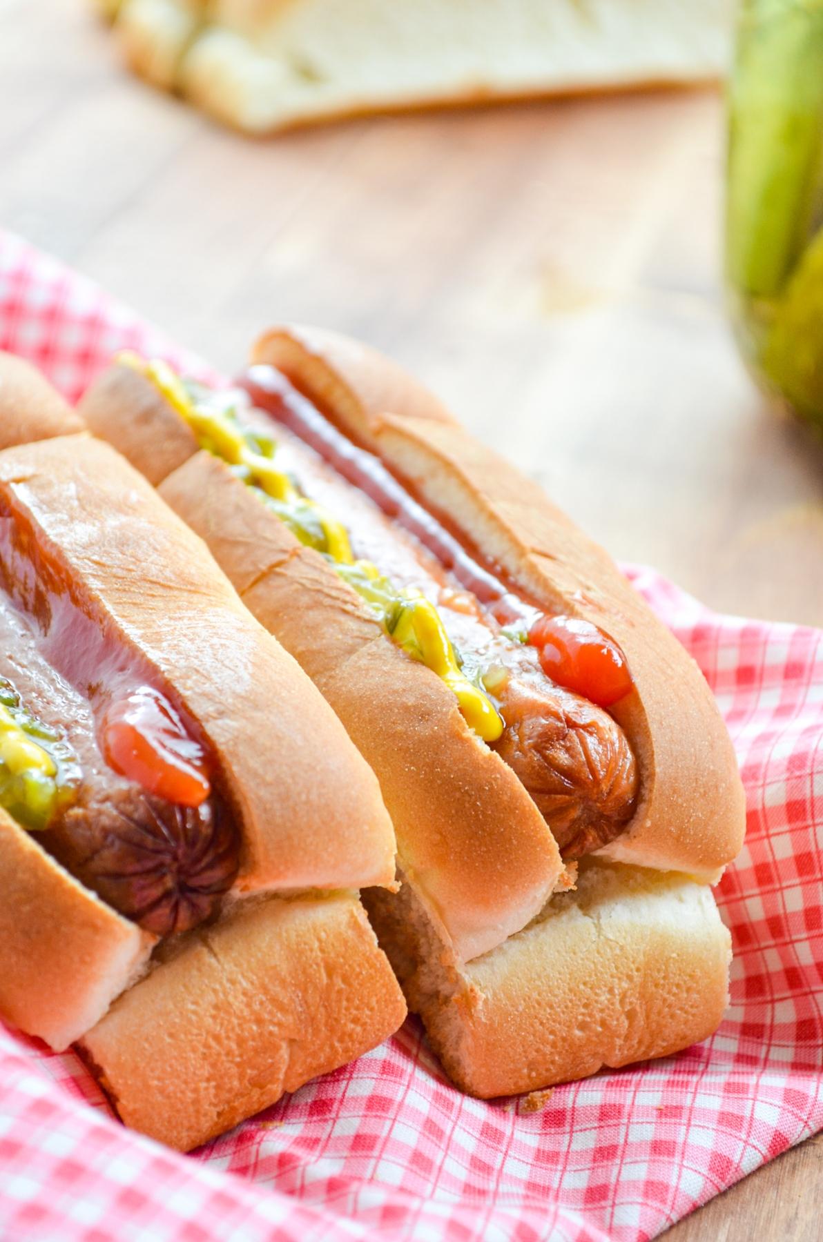 Two hot dogs, served in toasted buns and served with classic toppings.